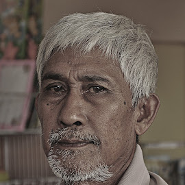 Old Potraits of Malay by Syazwan Azli - People Portraits of Men