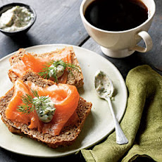 Smoked Salmon with Tangy Horseradish Sauce