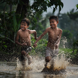run run on mud by Haris Fallin - Babies & Children Children Candids