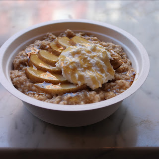 Cinamon and Spice Oatmeal with Ricotta and Pear