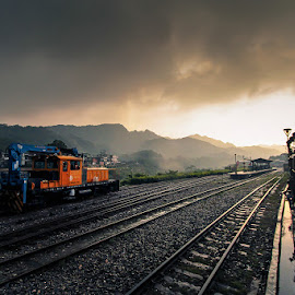 Shifen, Taiwan by Jens Kv - Landscapes Travel ( shifen, taiwan, sunset, taipei, train, travel, HDR, Landscapes )
