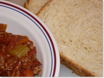 Weight Watchers Beef and Bean Chili and Soft Oatmeal Bread