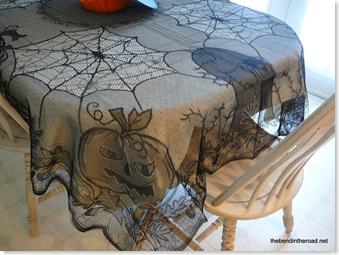 Halloween tablecloth details