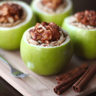 Healthy Apple Pie… in an Apple!