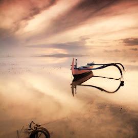 @ Pantai Karang Sanur by Rientje Maya - Transportation Boats