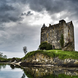Castle Stalker (aka Castle Aaargh)... Lol by Erin Garrett - Landscapes Travel