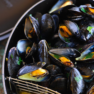 Mussels with Saffron and Mustard