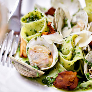 Spaghetti With Clams And Broccoli Recipes — Dishmaps