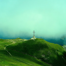 vf.caraiman by Banica Razvan - Landscapes Mountains & Hills
