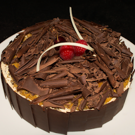 Chocolate Cake by Ahmad Azaharuddin Omar - Food & Drink Cooking & Baking ( chocolate cake )