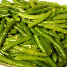 Green Beans with Garlic, Lemon, and Parsley