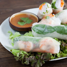 Shrimp Summer Rolls with Peanut Dipping Sauce