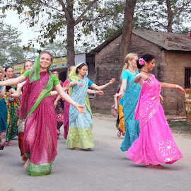 Dancing Women 4 by Udaybhanu Sarkar - News & Events Entertainment ( girl, devotion, group, dance, women )