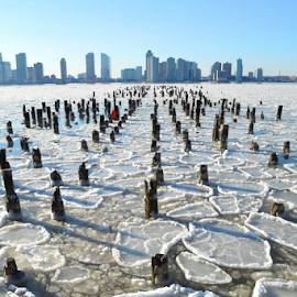 Icy Hudson River by Rob Kovacs - Novices Only Landscapes (  )