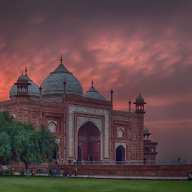 Taj Mahal Mosque at Sunset by Martin Belan - Buildings & Architecture Places of Worship ( mosque, sunset, taj mahal, india, travel )