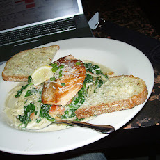 Rc's Salmon With Basil Cream Sauce. *****