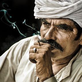 by Milind Shirsat - People Street & Candids ( street, people )
