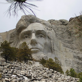 Lincoln -Mount Rushmore by Howard Skaggs - Landscapes Travel