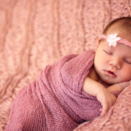 Baby Kiara by Claire Conybeare - Chinchilla Photography - Babies & Children Babies