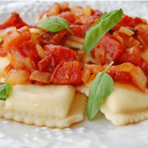 Ravioli with Tomato and Onion Sauce – 5 Ingredients!