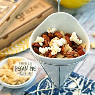 Chocolate Pecan Pie Snack Mix + Graze Box Review!