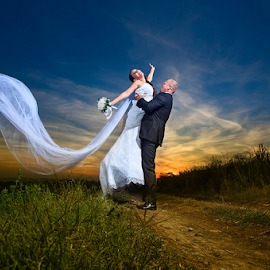 www.photo-fotograf.com by Dejan Nikolic Fotograf Krusevac - Wedding Bride & Groom ( wedding photography, kraljevo, aleksandrovac, sabac, vencanje, paracin, wedding dress, beograd, s, krusevac, matrimony, wedding rings, kragujevac )