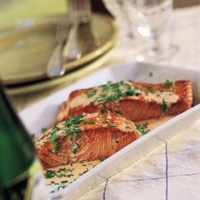Salmon in Cream and Muscadet Sauce (Saumon à la Crème au Muscadet)