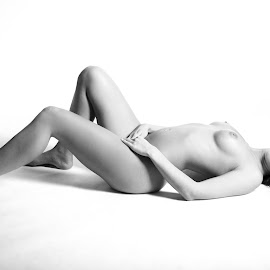 Posing by Alexander Voda - Nudes & Boudoir Artistic Nude ( studio, nude, canon eos, people, portrait )