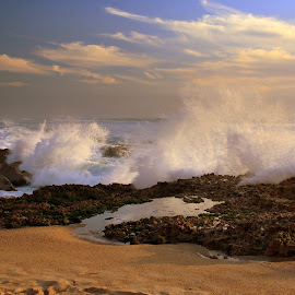 Waves by Gil Reis - Landscapes Beaches ( water, beaches, nature, waves, sea, travel, portugal, rocks, hiking )