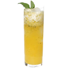 Zero Proof: Pineapple Mint Agua Fresca