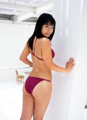 Sayaka Isoyama sexy bikini