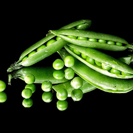 Smiling peas by Asif Bora - Food & Drink Fruits & Vegetables (  )