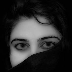 Beauty in black by Aamir Munir - Black & White Portraits & People