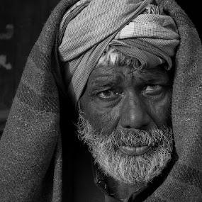 Desert man by Anna Tatti - Black & White Portraits & People ( india rajasthan people portrait man  b&w,  )