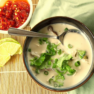 Gai Tom Kha (Thai Coconut and Lemongrass Soup)