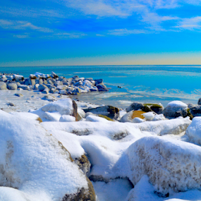 Snowy Beach by Rob Kovacs - Novices Only Landscapes (  )