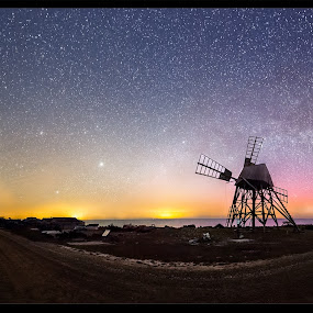 Grinding Mill by Jörgen Tannerstedt - Landscapes Starscapes ( milkyway, mill, tannerstedt, stars, jordhamn, night, oland, astroscape, galaxy, nightscape )