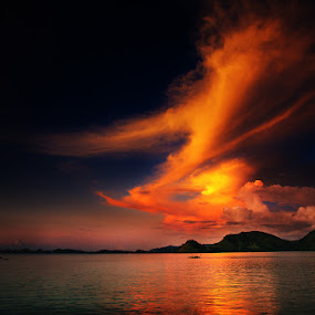 Painting Clouds by Rah Juan - Landscapes Cloud Formations ( komodo island, nature, nusa tenggara, sunset, labuan bajo, rah juan, bali natural photoworks,  )