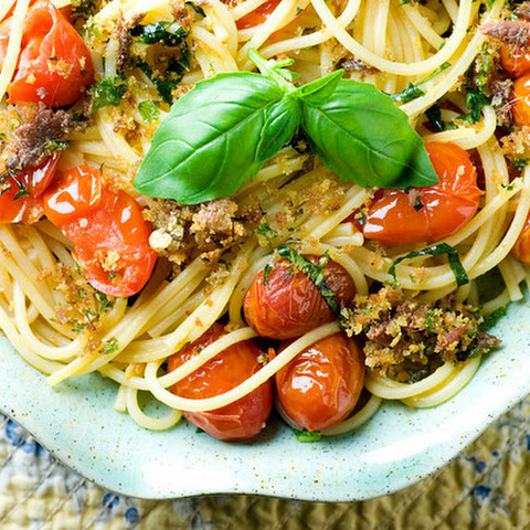 Roasted Tomato and Anchovy Oreganata Pasta