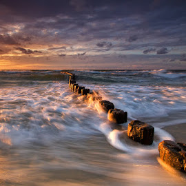Baltic Sea by Pawel Uchorczak - Landscapes Beaches ( dynamic, uchorczak, light, baltic, poland )