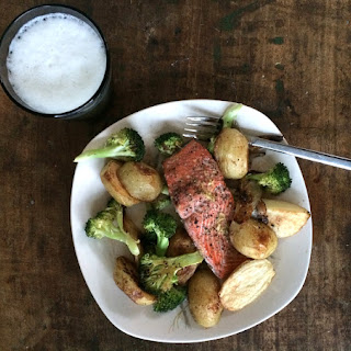 Oven-roasted Salmon, Potatoes & Broccoli