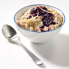 Steel-Cut Oats with Cinnamon-Blueberry Compote