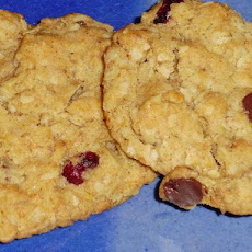 Healthy Walnut (Or Chocolate) Cranberry Oatmeal Chewy Cookies