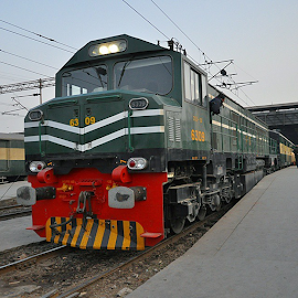China ka Engine (No kidding). by Areesh Zubair - Transportation Railway Tracks ( Monster, MonsterMechine, train, rail, Railway, Pakistanrailways, Lahore, Karachi, Lahorestation, transport, transportation, tracks, igersLahore, ig_lahore, igersPakistan, ig_Pakistan, vzcopakistan, vzco_pakistan, vsco_Pakistan, im_explorepakistan, im_Pakistan, heritagepakistan, Mazzay, sonyZ1, XperiaZ1 )