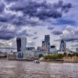 by Jose Figueiredo - City,  Street & Park  Skylines ( london, buildings, river, city,  )