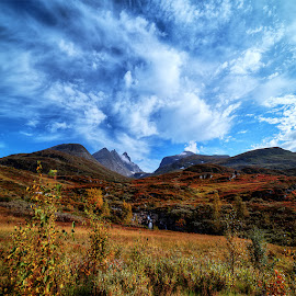 Jotunheimen. by John Aavitsland - Landscapes Mountains & Hills