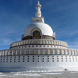 Shanti Stupa by Advaitaa Biswas - Buildings & Architecture Places of Worship ( buddhism, blue sky, peaceful, beautiful, snowy )