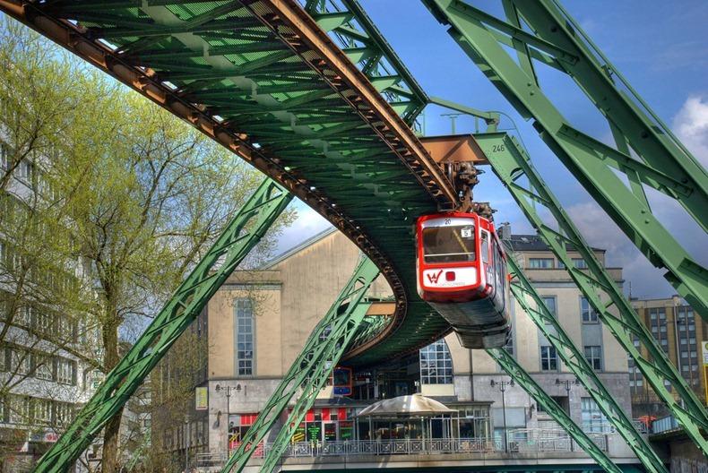 Wuppertaler-Schwebebahn-8
