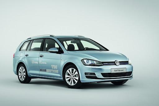2014-VW-Golf-Variant-01.jpg