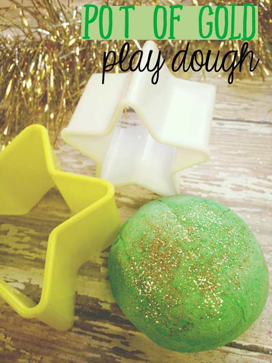 St-Patricks-Day-Play-Dough-700x933